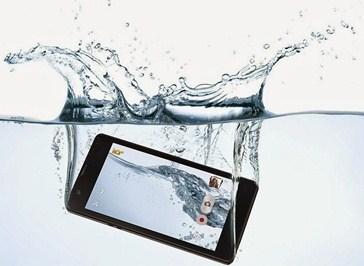 Mengatasi HP / Smartphone Terkena Air